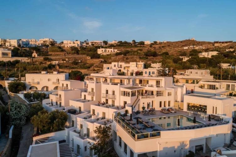 Rochari Hotel Overview