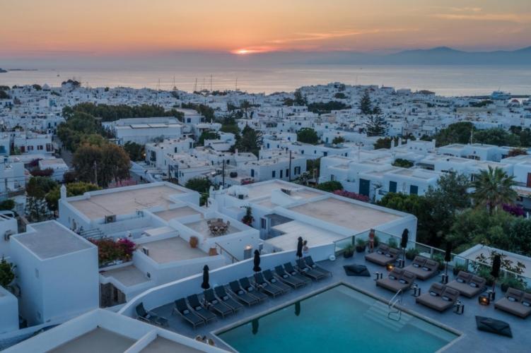 Rochari-hotel-pool-overview (4)
