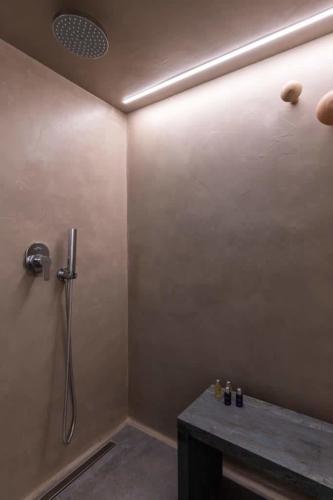 rocahri-spa-massage-area (16)